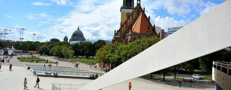Rund um die Berliner Marienkirche an der Karl-Liebknecht-Straße ist viel Platz zur Verfügung.