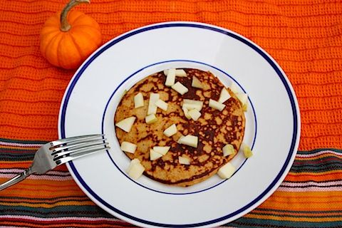 pumpkin oatmeal protein pancakes