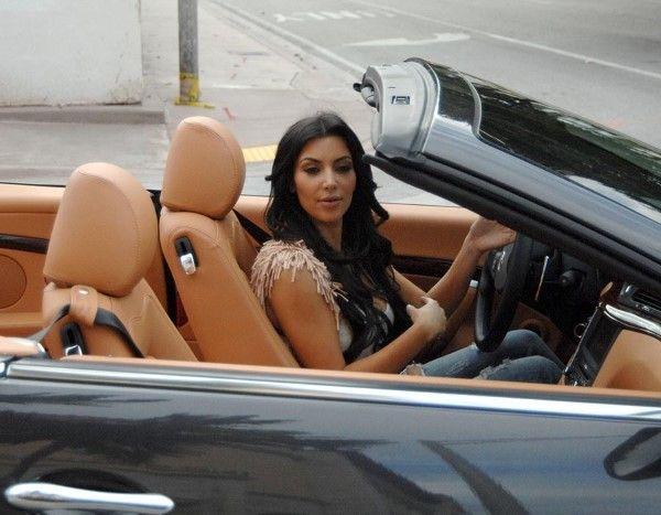 """Maserati GranCabrio (© Rex Features)   Las  imagenes siguientes (39) forman parte de la """"ESCUDERIA"""" de los KARDASHIAN"""