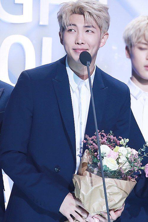 Rap Monster at Seoul Music Awards on January 19, 2017 (1).jpg