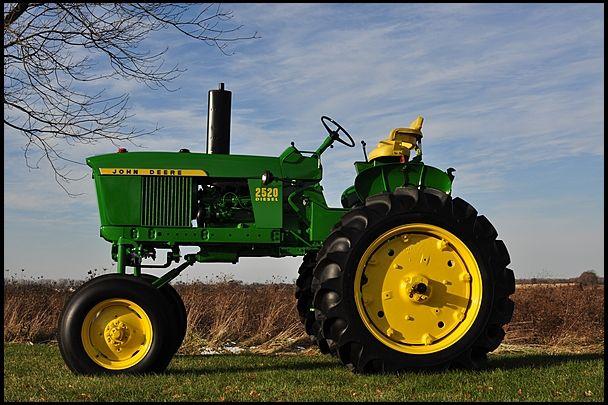 John Deere 2520 Hi-Crop