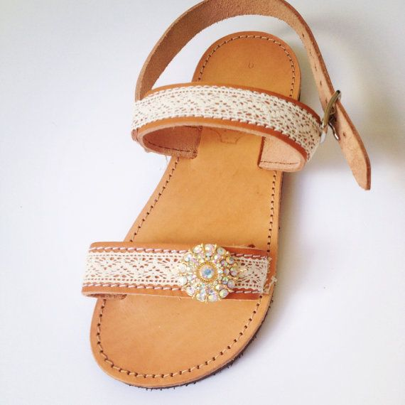 leather girl sandals decorated with white lace