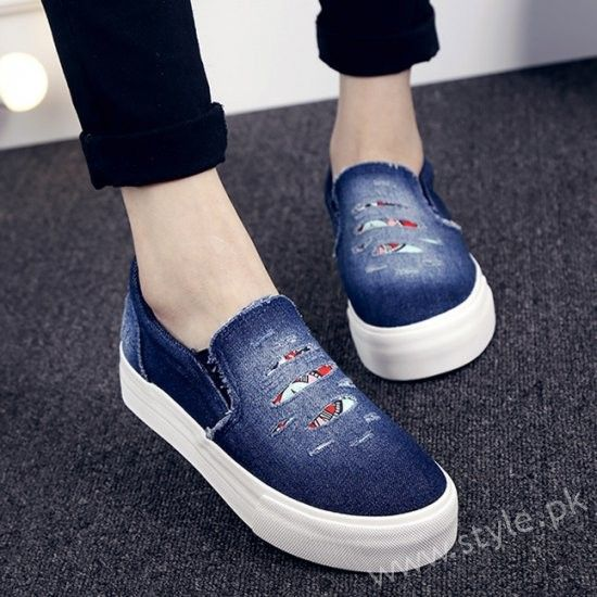 Canvas Shoes for Men, Women and Girls in Pakistan