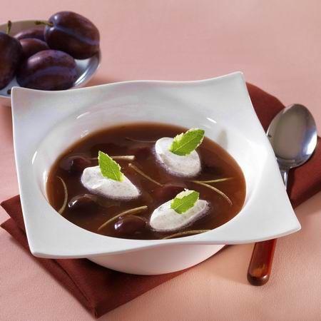 Egy finom Vörösboros-gyömbéres szilvaleves ebédre vagy vacsorára? Vörösboros-gyömbéres szilvaleves Receptek a Mindmegette.hu Recept gyűjteményében!