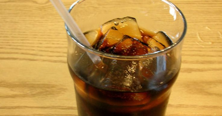 Como usar Coca-Cola para bronzear o corpo. A Coca-Cola possui diversas utilidades: é utilizada como um agente de limpeza, adubo e até remédio para resfriado. No entanto, também é usada como um ótimo acelerador de bronzeamento. Em vez dos óleos e loções de bronzeamento, a Coca-Cola pode ser usada para atingir um bronzeado profundo e escuro. Além disso, ela pode ser adicionada em outros ...