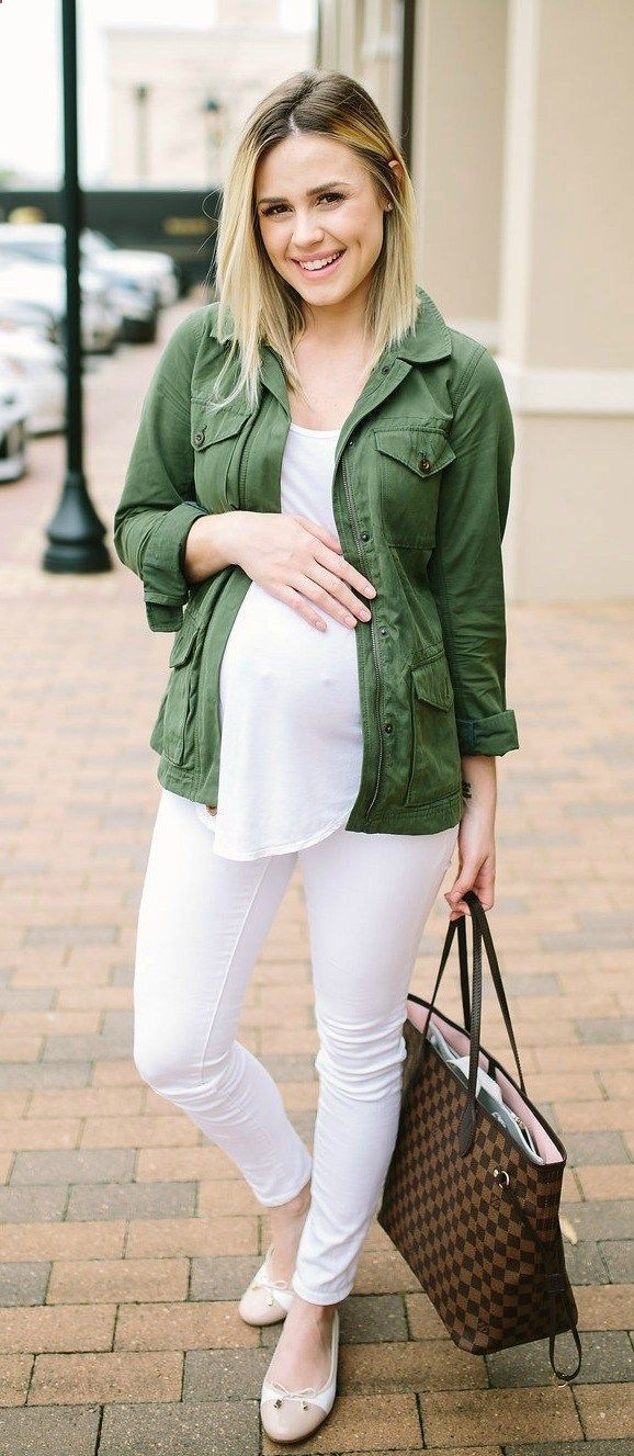 Maternity Fashion | Casual outfit | Ballet Flats | Maternity Outfits | Seraphine | Uptown with Elly Brown