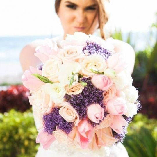 Foto de  Gilda Garza Flores Más Diseño  - www.bodas.com.mx/arreglos-florales-boda/gilda-garza-flores-mas-diseno--e73352