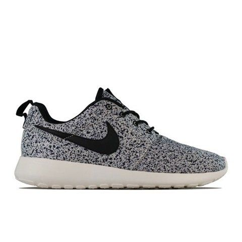 Cool sneakers By nike