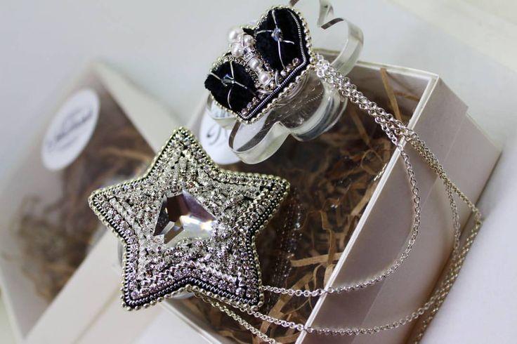 Звезды для моих звезд #брошь #брошьручнойработы #брошьзвезда #звезда #svarovski #трунцал #обьемнаявышивка #интересноe #интересно #роскошь #роскошное #мода #модно #модная #handmade #рукоделие #вышивка #nadiush