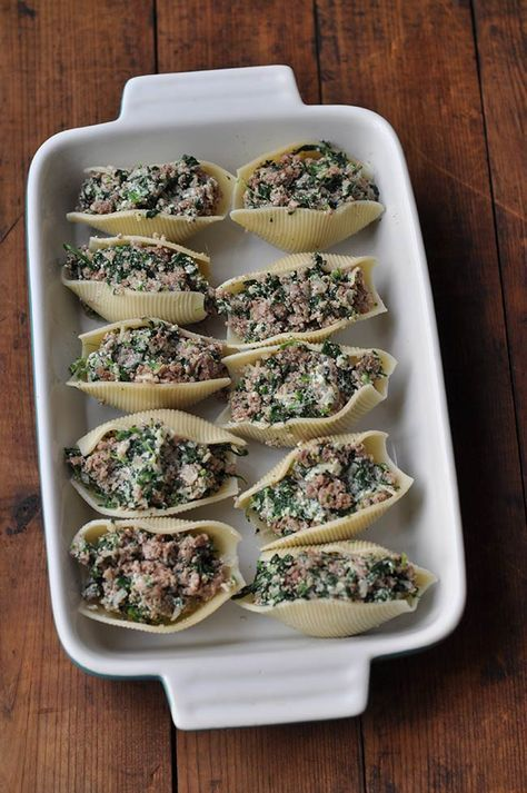 Healthy Stuffed Shells with Ground Turkey and Spinach