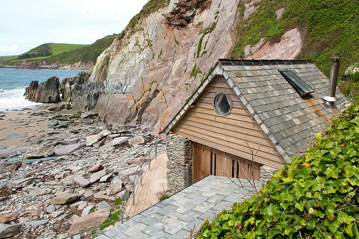 The beach hut is situated on its own secluded private beach on the South Devon Coast having has stunning sea views and its own hot tub
