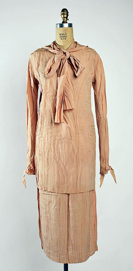 Dress Attributed to Madeleine Vionnet  Date: 1928 Culture: French Medium: silk Accession Number: 1985.364.29a, b
