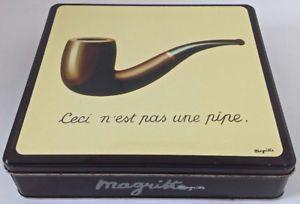 Collection. Boîte en fer. Reproduction oeuvre de Magritte