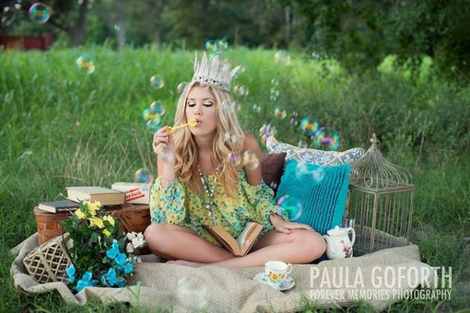 Senior Stunner Winner…August Week 2 | Senior Style Guide