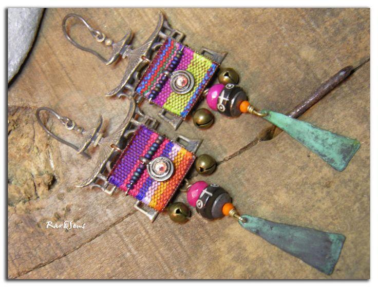 Boucles d'oreille bohème,ethnique~Métissage~pagode et tissu aztèque,cuivre vert de gris,jade fushia,cristal et grelot : Boucles d'oreille par rare-et-sens
