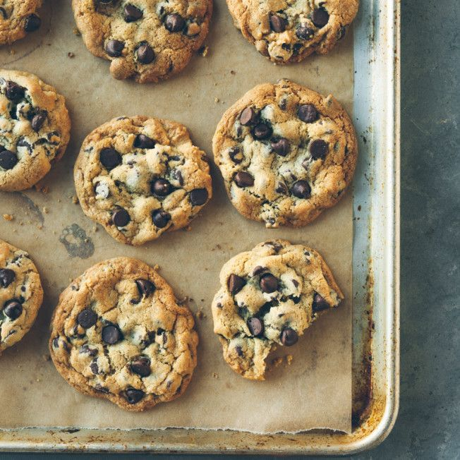 Bake a batch of the perfect chocolate chip cookies—just like Mom used to make. Our classic cookies have a caramel flavor and chocolaty goodness.