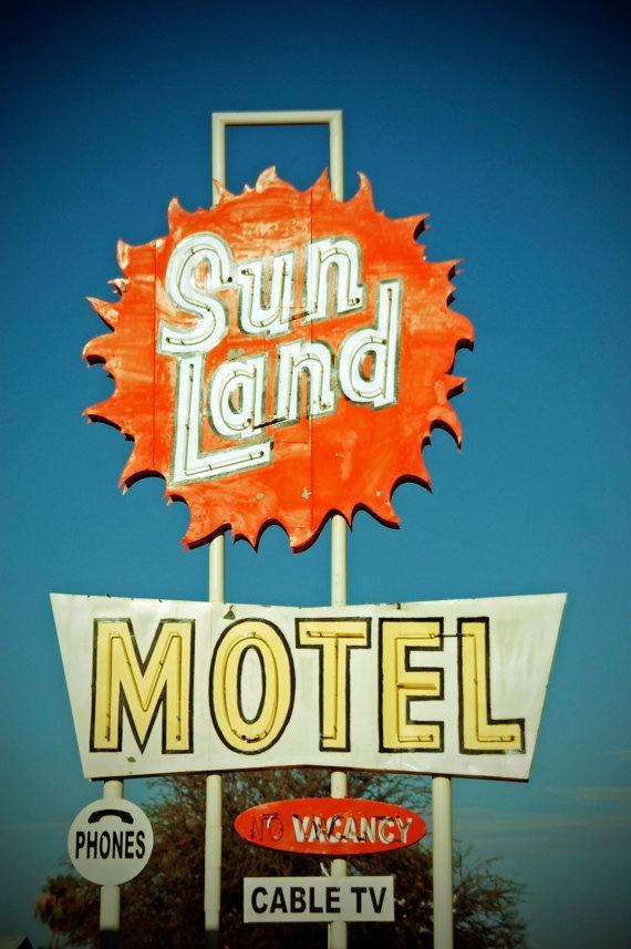 Sun Land Motel Neon