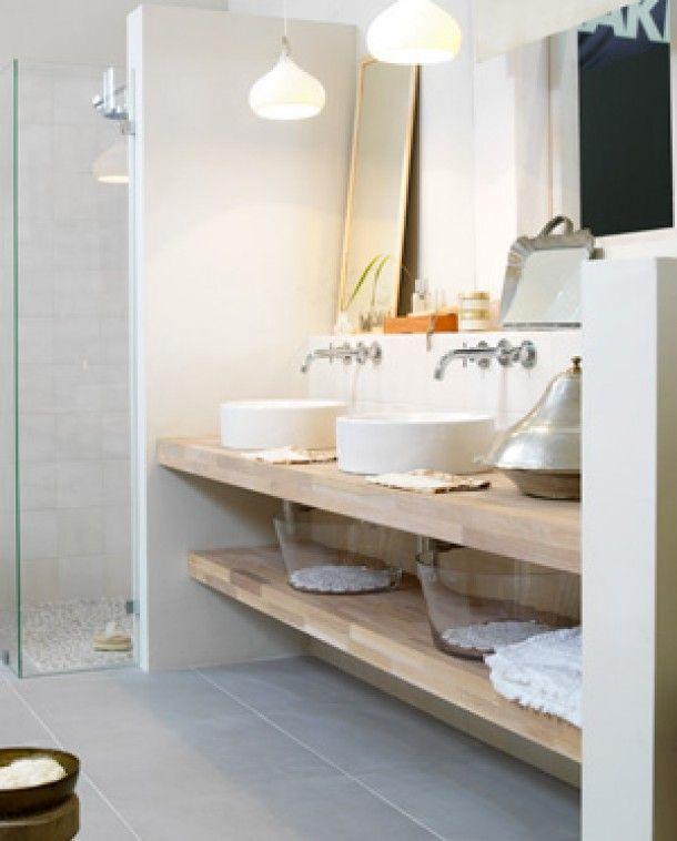 25 beste idee n over douche planken op pinterest betegelde badkamers metro tegel douches en - Idee tegel douche ...
