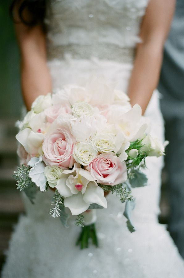 romantic maui destination wedding at haiku mill bride bouquets rose petals and flower. Black Bedroom Furniture Sets. Home Design Ideas