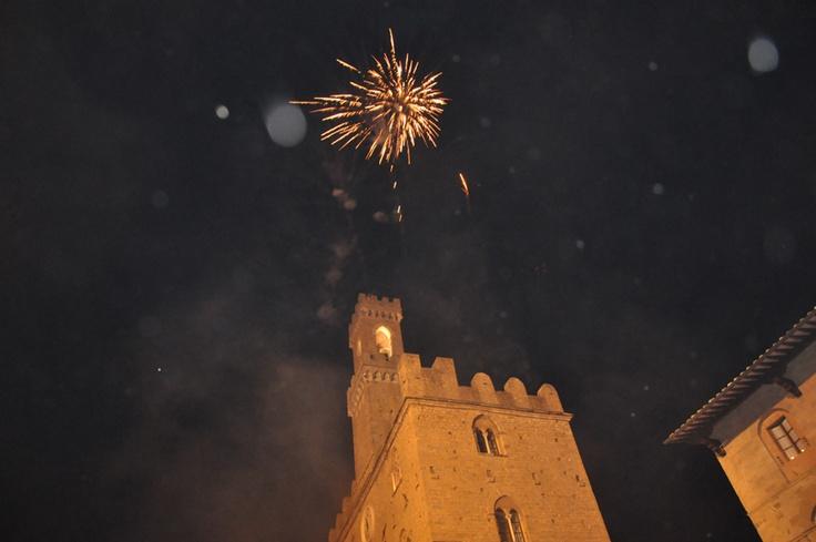 Volterra AD 1398- Medieval Reenactment, Tuscany #volterra #volterratur