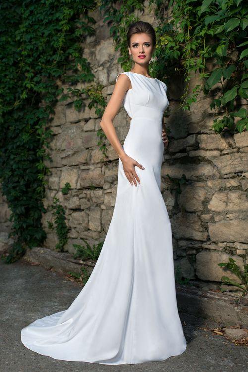 Nádherné svadobné šaty obopínajúce telo