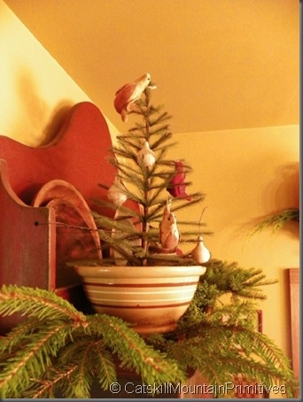 I must remember to put a tiny fir tree in one of my bowls!  This is a very cool idea!