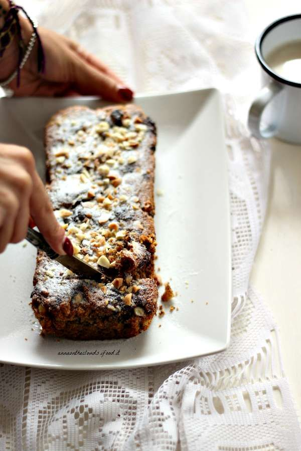 Plumcake integrale con mandorle e cioccolato : sentirsi raggiungere | Anna on the Clouds