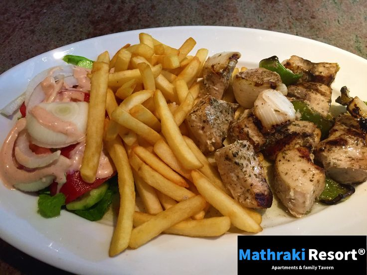 Swordfish Souvlaki! Fresh of the grill and definitely worth the try! #Swordfish #Souvlaki #Grill #Green #Pepper #Mathraki #Resort #Gouvia #Corfu #Greece #Fish #Seafood #Ξιφίας #Zwaardvis