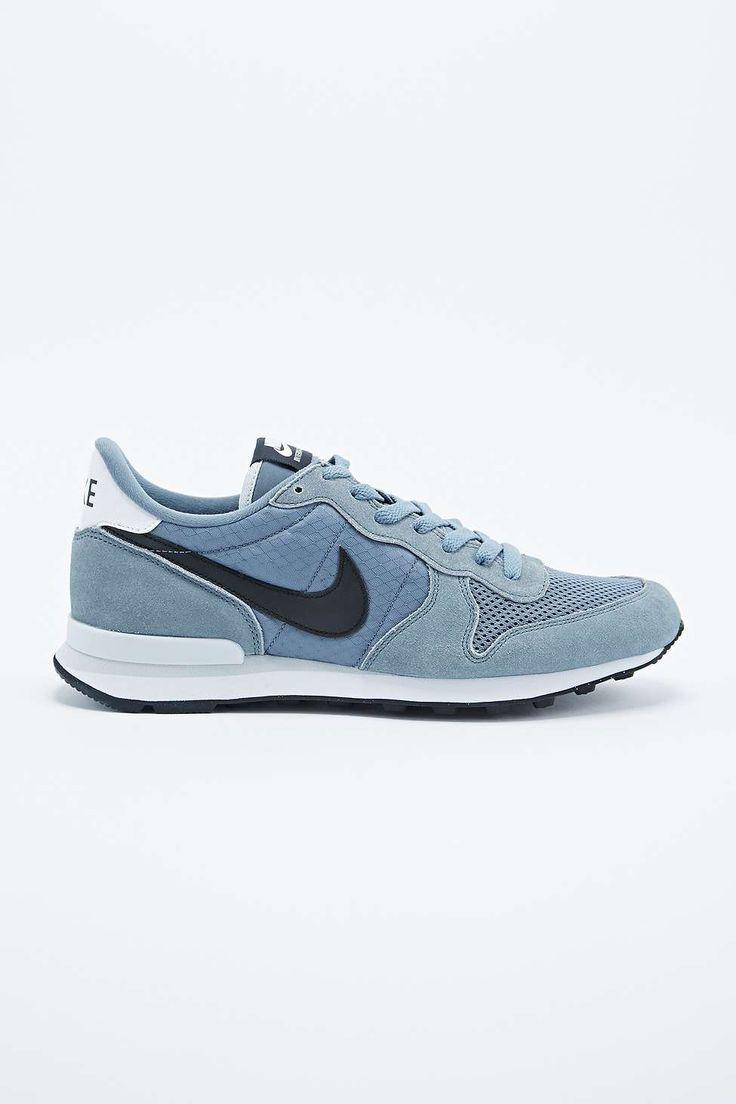 Nike Internationalist Trainers in Grey Blue