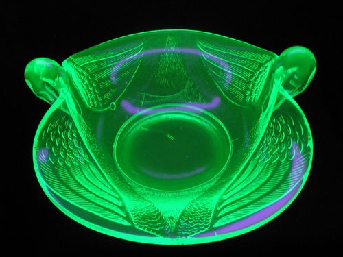 Fenton Vaseline Glass Swans Bowl Geiger Counter Test SBM20 CDV700