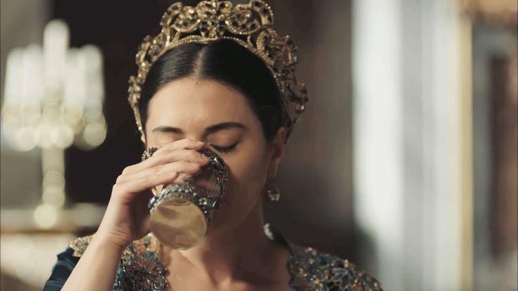 Halime Sultan in Episode 30