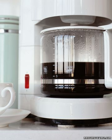 How to remove the deposits inside the teakettle and coffeemaker.