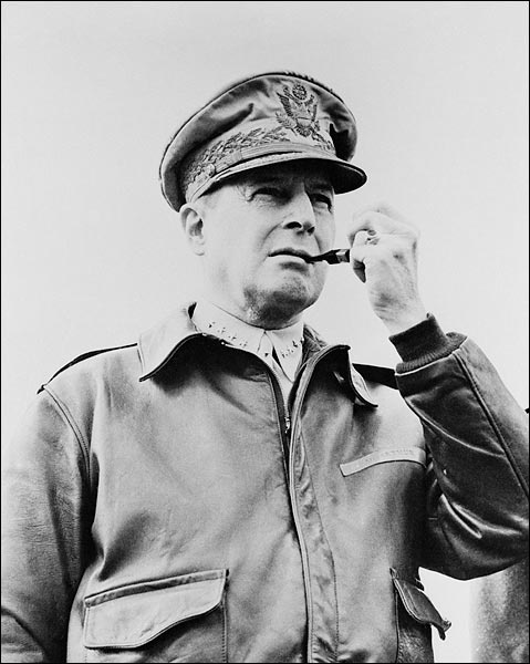 Photo of General Douglas MacArthur. MacArthur played a prominent role in the Pacific Theater of WWII and later oversaw the occupation of Japan after WWII.     PHOTOGRAPHER / CREDIT: FSA  DATE: 1940s