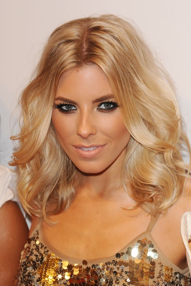 "Mollie king| so i know this doesn't totally qualify as a ""bob"" but I'm going to let it slide cause it's just so pretty!"