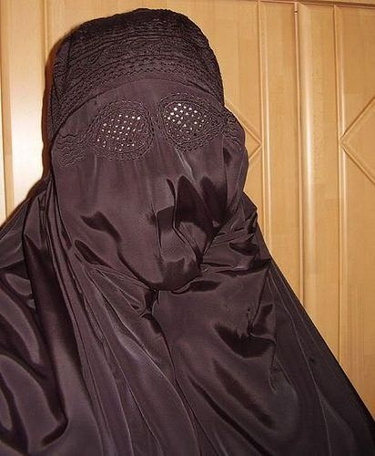 Turns out? Muslim women at the beach in burkas think