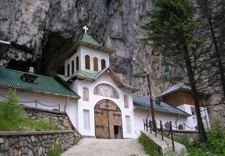 Ialomicioarei Cave