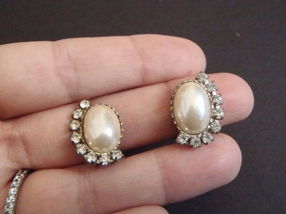 clip on vintage earrings christmas gift false by LaSoffittaDiSte http://babypron.com/KidsToys