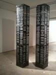 T Mori representa las Torres Gemelas con cintas de VHS usadas