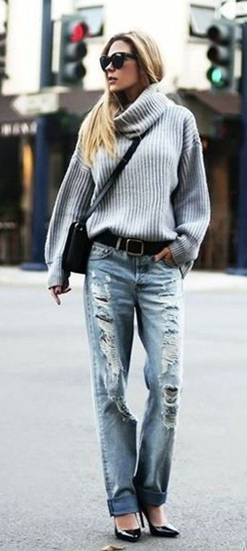 Ripped jeans + heels + sweater | spring outfit idea