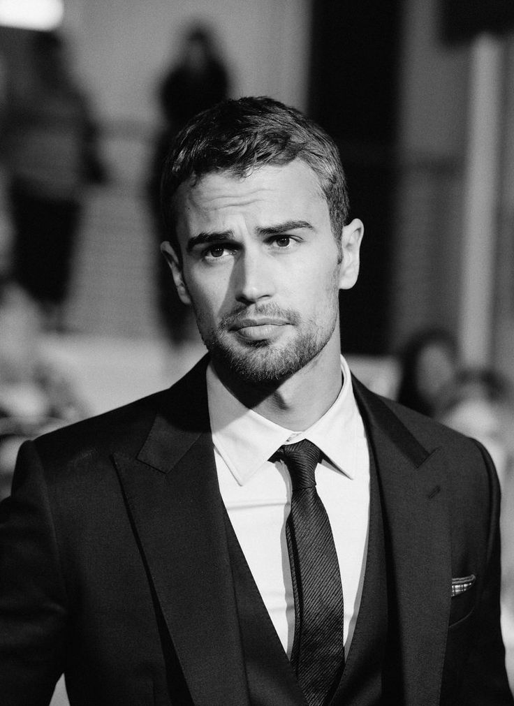 Hottest Photos of Theo James | POPSUGAR Celebrity UK