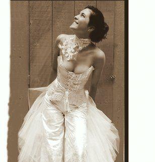 Idée tenue mariage : robe/pantalon de mariée
