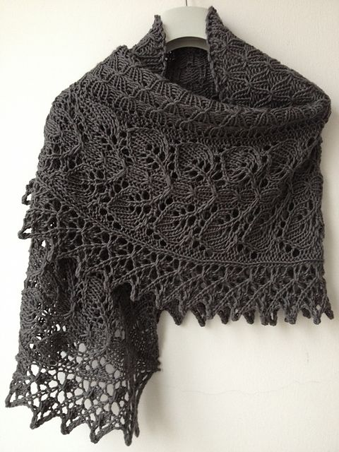 This is the most beautiful scarf knitting pattern I've ever seen. --> Ravelry: Teasdale pattern by Corrina Ferguson