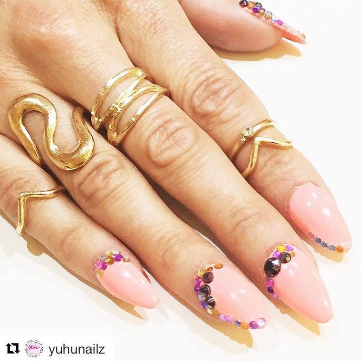 WE DOIN' NAILZ @yuhunailz #acrylic and #nailart at #yuhustore #barcelona #elborn // BOOK NOW! // #nailartdesign #nailartaddict #fresh #nailz #uñas #manicure #manicura #nails #acrilicas #coral #precious #stones #costabrava #girona #platjadaro #girlz #love #iwant #ineedthis #style #instafashion #cool #trendy #fashion