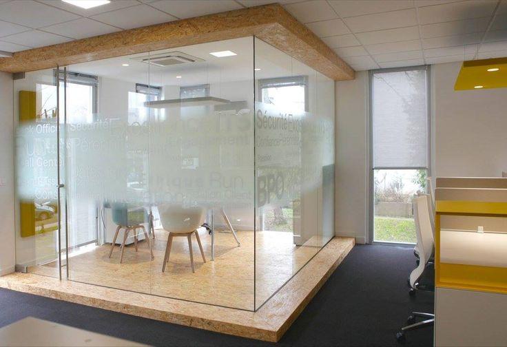 L'image contient peut-être: table et intérieur. Réaménagement de CEGEDIM Outsourcing. 2016 © ARCHIBALD