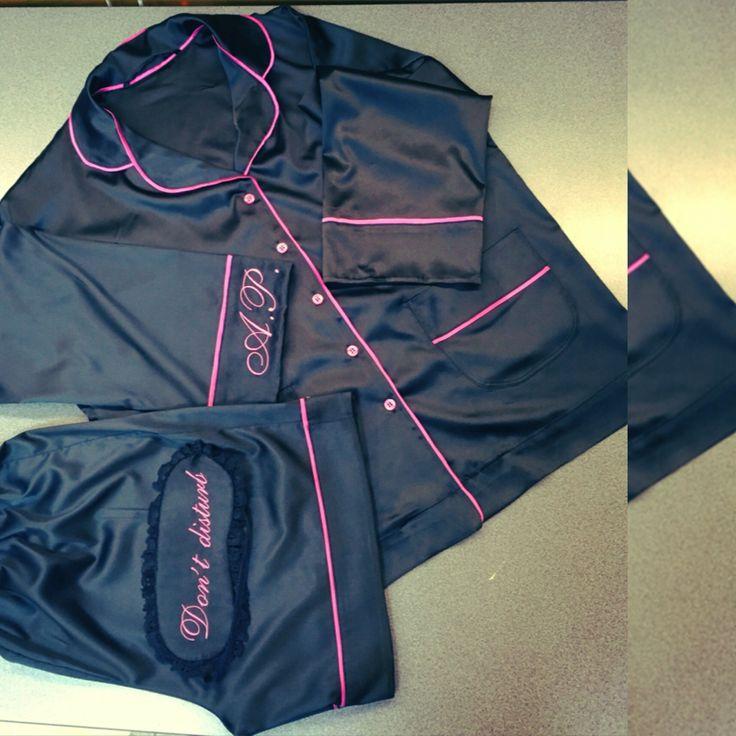 Пижама женская из итальянского шелка-атласа. Именная вышивка. Изготавливаем под заказ по Вашим меркам, присылаем скриншот дизайна вышивки. цена с шортами 1299 грн; с брюками 1399 грн.