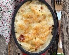 Chou-fleur gratiné : http://www.cuisineaz.com/recettes/chou-fleur-gratine-9022.aspx