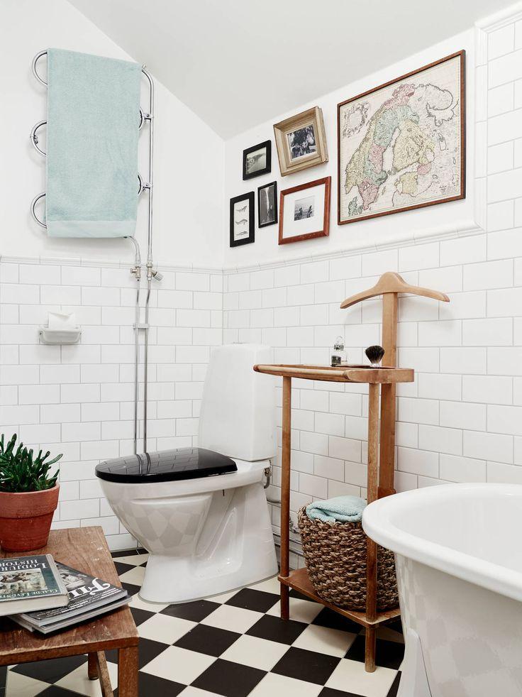 love the floor for our downstairs bathroom. Visite d'un appartement à la déco scandinave éclectique