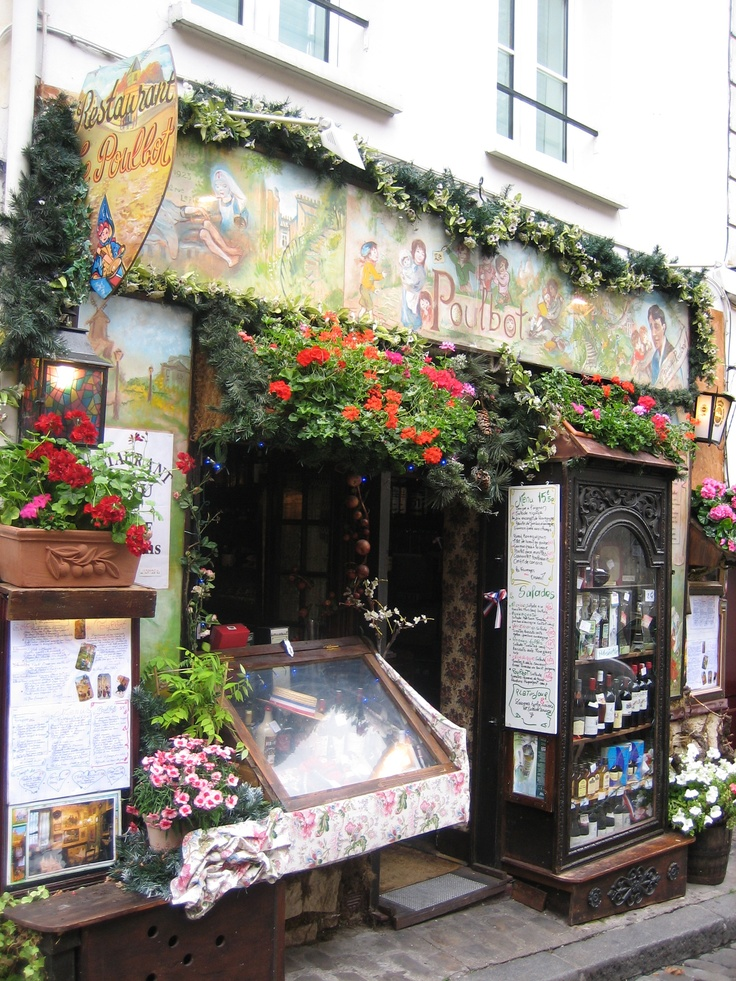 Montemarte, Paris  a quaint area that should not be missed  www.greenery.ca
