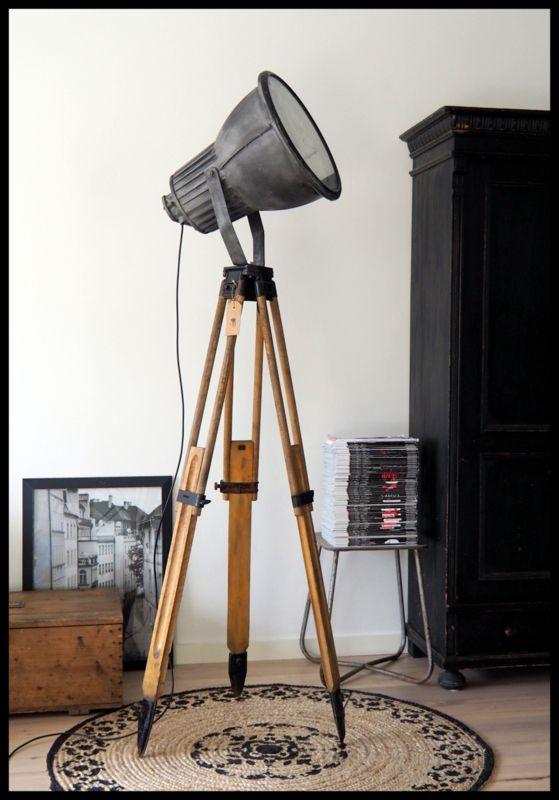 Ruige industriële Philips statief lamp! Zeer zeldzaam model!