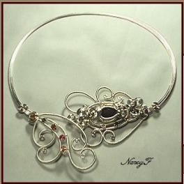 Several wire jewelry tutorials.